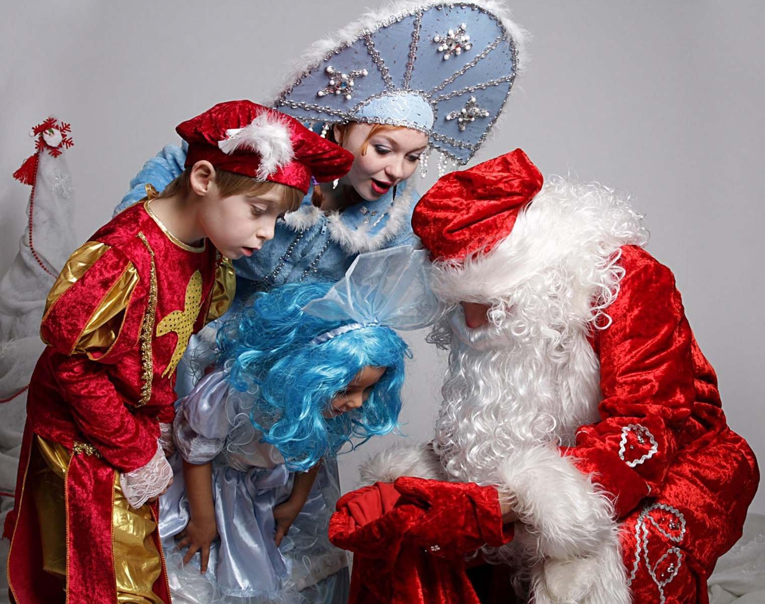 Закажите Деда Мороза и получите портрет Paint Fire!
